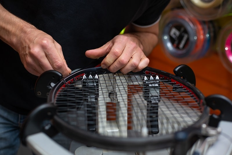 How to select the strings for tennis racquet