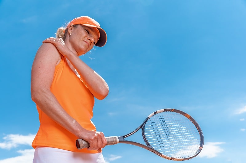 how to avoid injury in tennis